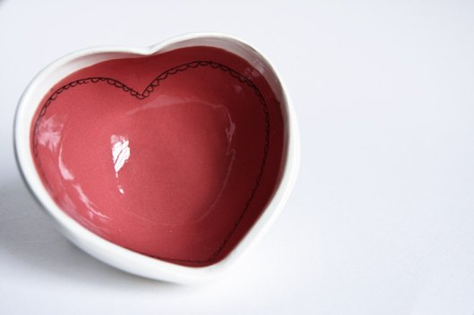 Karo Art, Ireland - Red Heart Bowl, €23