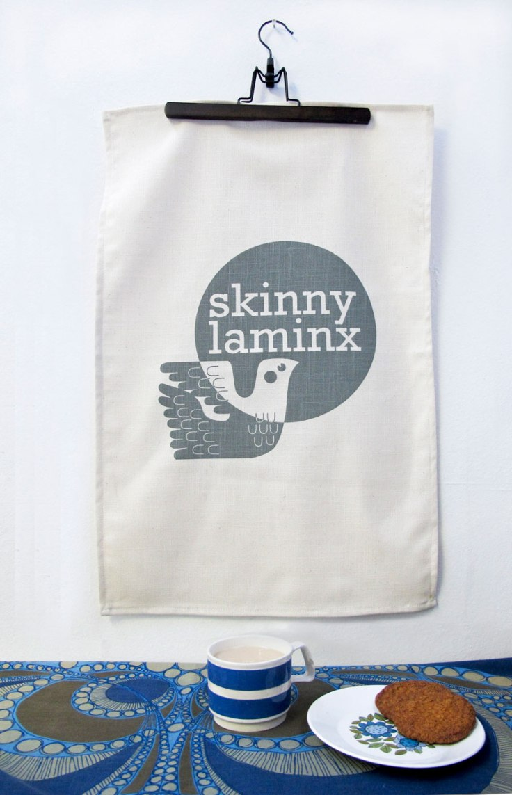 _Skinny-laMinx-tea-towel LOGO