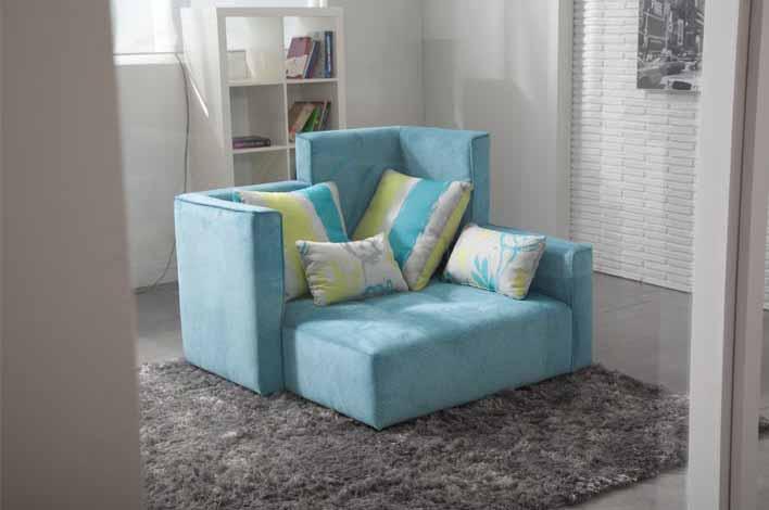 Fama_chair 1