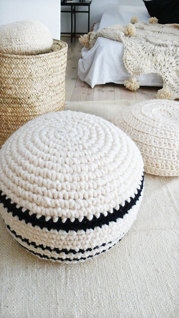 La Casa de Cotó - Crochet Pouf, $125