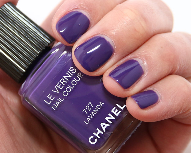 Chanel-Lavanda-nail-polish-727-swatch